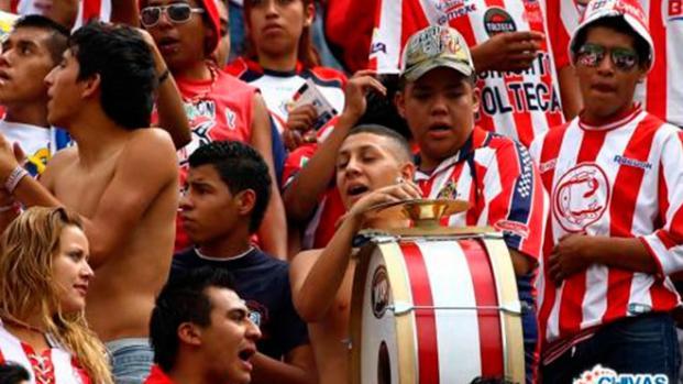 Futbolista de Chivas es amenazado de muerte por su propia afición
