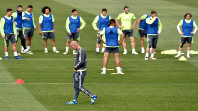Zidane instalará 'mini-pretemporada' como 'plan PSG' entra en vigor