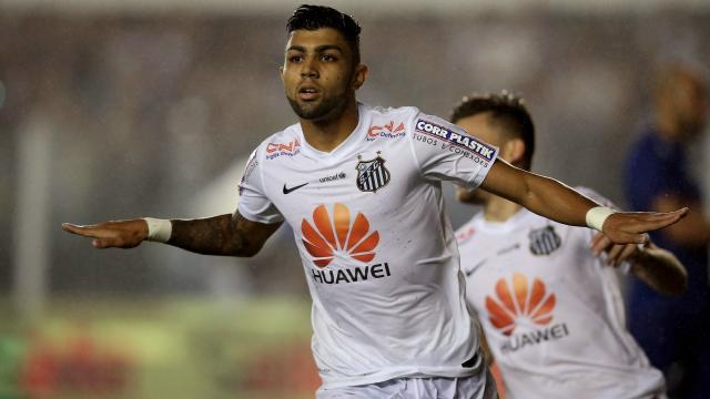 Fútbol: Gabigol envía un mensaje a Lucas Lima