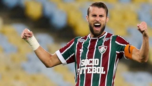 Futbol: Henrique Dourado impacta contra nuevo club y impresiona a todos