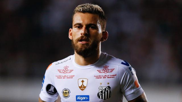 Fútbol: Lucas Lima es una provocación a su antiguo club