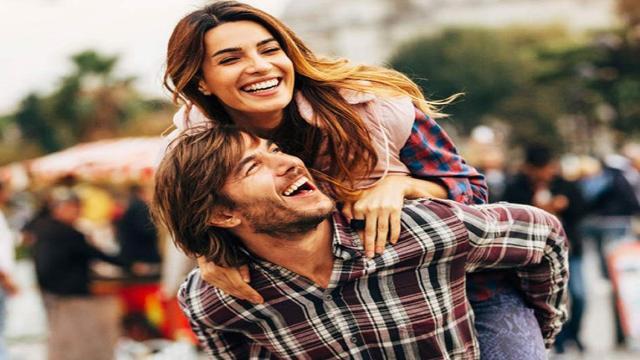 ¿Renunciarías a la gran personalidad de tu pareja?