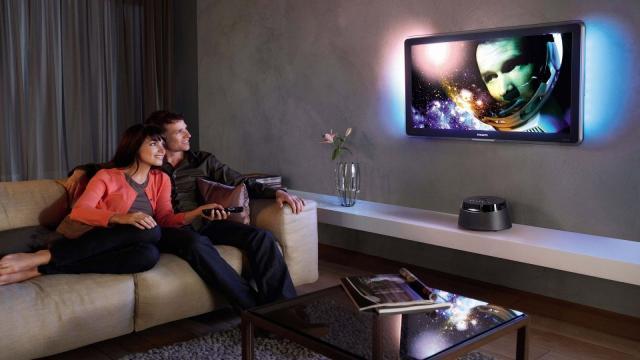 Por qué la televisión es mejor para su relación de lo que piensa