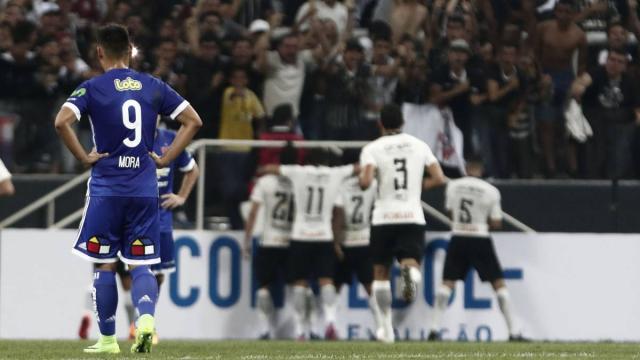 Futbol: Este crack brilla en Europa y quiere jugar en Corinthians