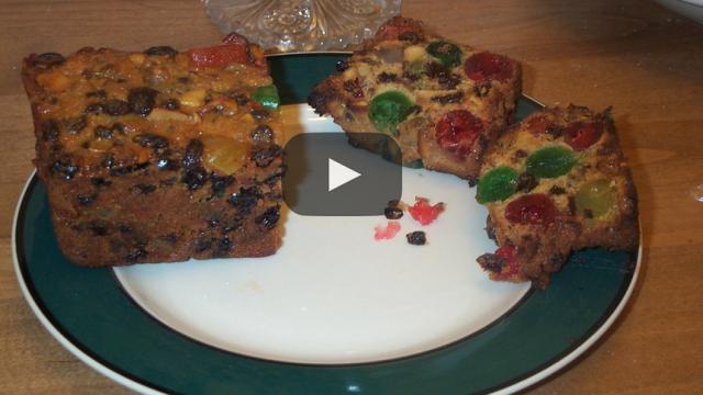 ¿Porque la gente da pastel de frutas en navidad?