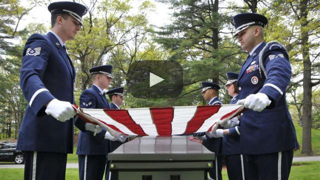 Funeraria sirve alcohol para ayudar a la gente a celebrar el difunto