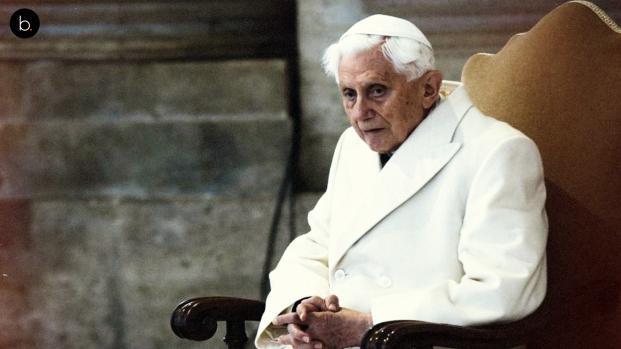 La vida del anterior Papa, Benedicto XVI, se está apagando