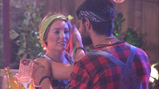 Vídeo: BBB18: Jéssica, que não cansa de assediar Lucas, agora xinga sua noiva.