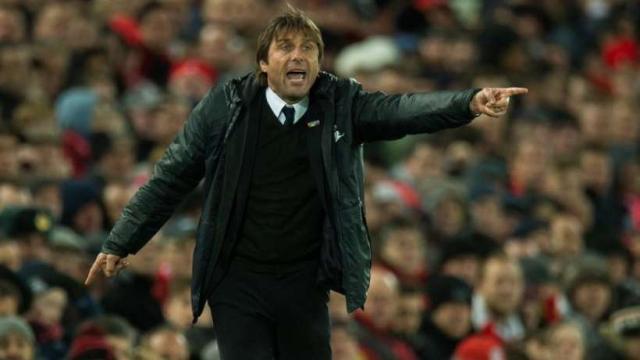 Futbol: El técnico del Chelsea, Antonio Conte, rechaza trabajar en Italia