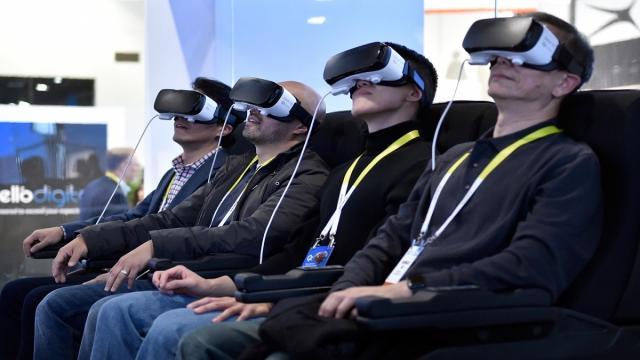 Software de reproducción e introducción a la aplicación de películas VR.