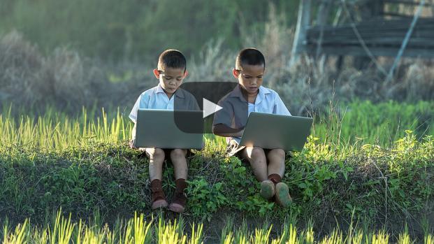 Los niños son vulnerables al acoso cibernético entre otras amenazas