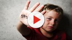 Video virale mostra bambini torturati, importante appello della polizia