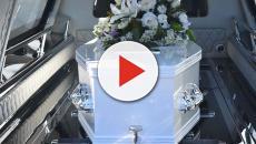 Carro funebre non assicurato: sequestrato con la salma a bordo