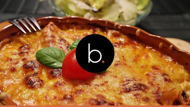 Cucina, ricette: lasagna classica napoletana al forno