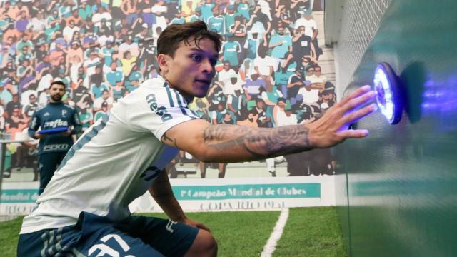 Vídeo: Arthur pede passagem no Palmeiras