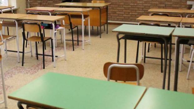 Piacenza, studente di prima media picchia una professoressa