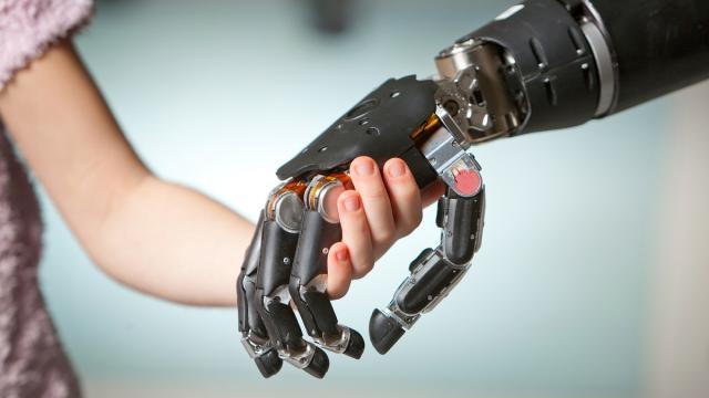 Dedos artificiales sensibles, un innovador experimento