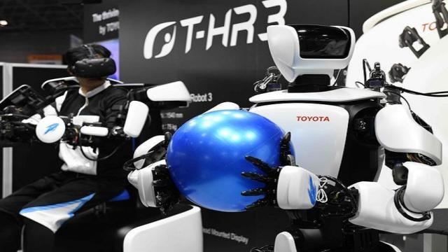 Exhibición internacional de robots muestra excelentes prototipos humanoides