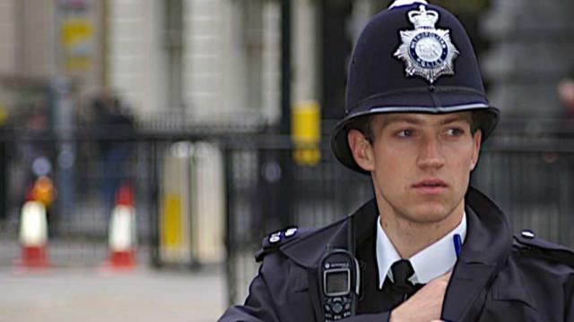 """La policía de Inglaterra es ayudada por """"forenses digitales"""" externos"""