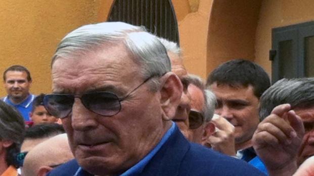 Gigi Riva derubato del cellulare da un mendicante