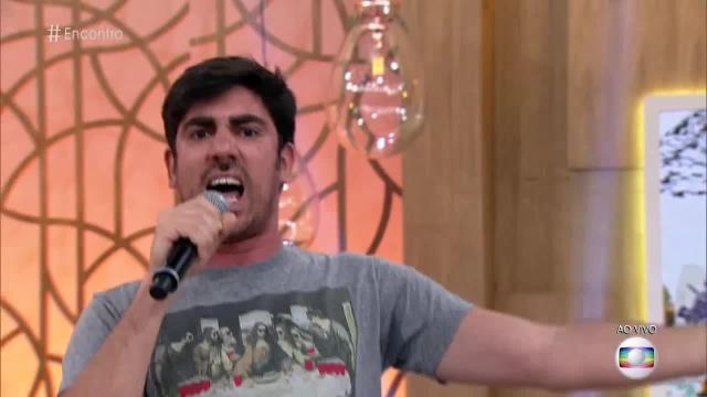 Humorista da Rede Globo aparece em suposto vídeo se tocando