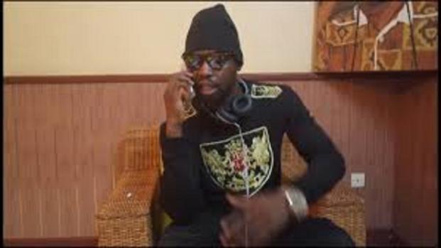L'artiste David K se produit avec la crème de la chanson camerounaise