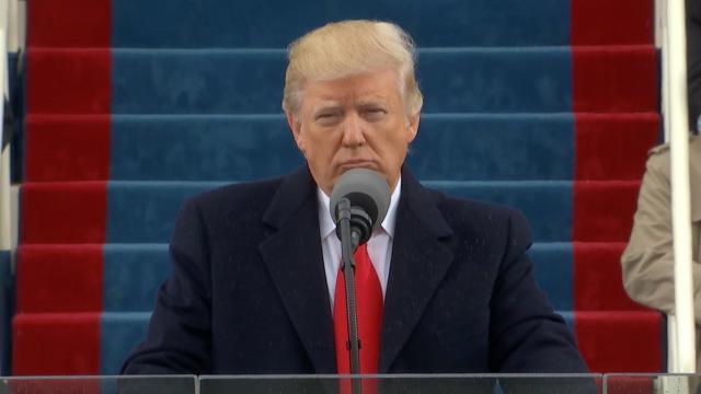 Trump llama al debate sobre inmigración 'última oportunidad'