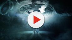 Video: UFO ripresi dal finestrino di un aereo