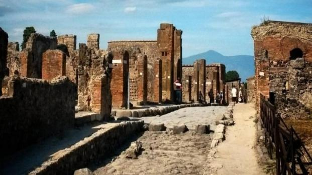 Video: Pompei è risorta economicamente e turisticamente