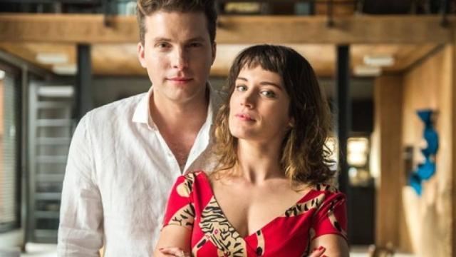 Vídeo: Clara se declara para novo amado na novela O Outro: