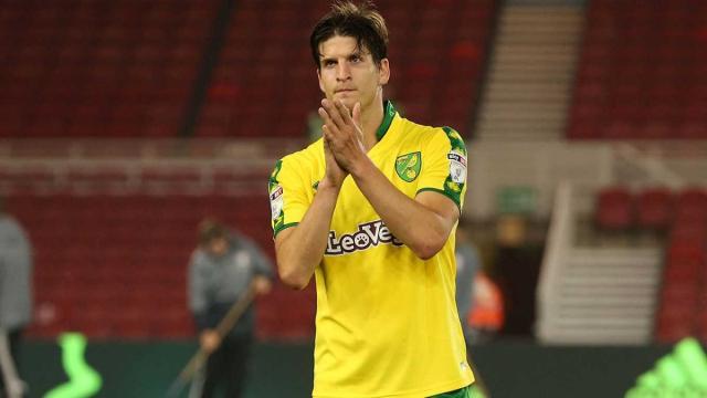 Timm Klose salva a Norwich de una caida ante el Ipswich de Mick McCarthy