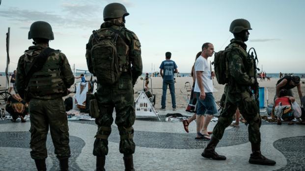 Vídeo: exército proíbe uso de máscaras com caveiras