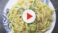La ricetta degli spaghetti uova, zucchine e prezzemolo