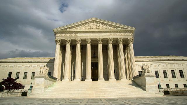 La Corte Suprema dice que los denunciantes deben alertar al gobierno