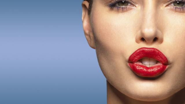 No me sorprende que a las chicas les encanta el lápiz labial, hay cosas peores