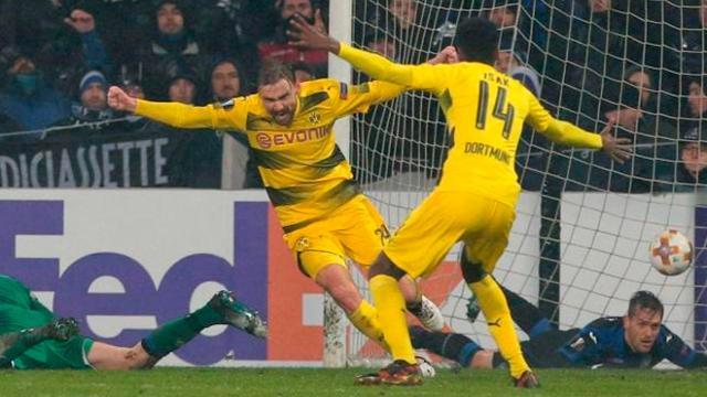 El Dortmund con gol de Schmelzer al 83, deja fuera al Atalanta de Europa League