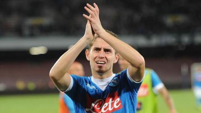 Jorginho podría salir del Napoli