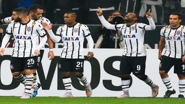 Futbol: Corinthians intenta hacer nuevas contrataciones para la Libertadores