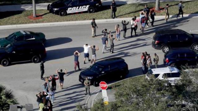 Tiroteo en la secundaria de Florida dispara alarmas sobre violencia en E.E.U.U