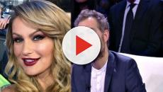 Eva Henger contro Daniele Bossari: 'Ha un auricolare all'orecchio'
