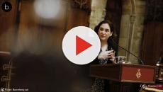 Cataluña: Ada Colau quiere dar plantón a Felipe VI