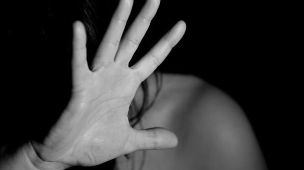 Rimini: ragazza stuprata dall'ex e dal suo amico