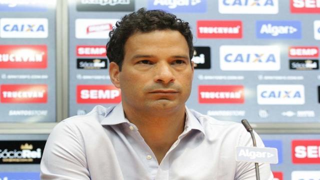 Futbol: El Santos de Brasil con problemas para fichar y renovar jugadores