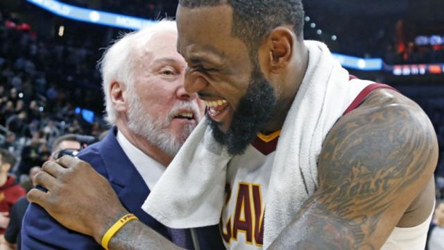 LeBron James debería emparejarse con el entrenador Popovich