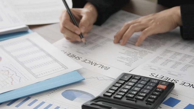 Los auditores de caridad no siguen nuevas reglas