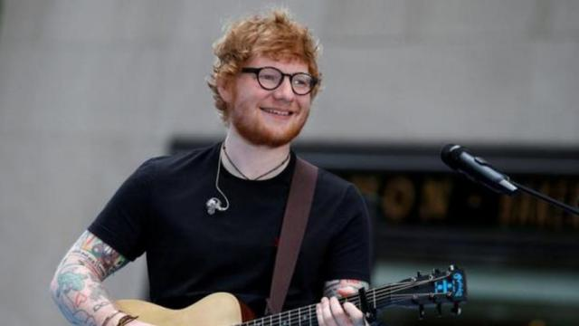 El galardonado artista Ed Sheeran desata especulaciones matrimoniales