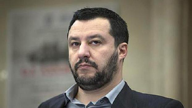"""Una mamma adottiva scrive a Salvini: """"Fai vivere i miei figli nel terrore""""."""