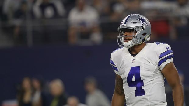¿Cowboys arrojarán fuera al mariscal de campo Dak Prescott por Kirk Cousins?