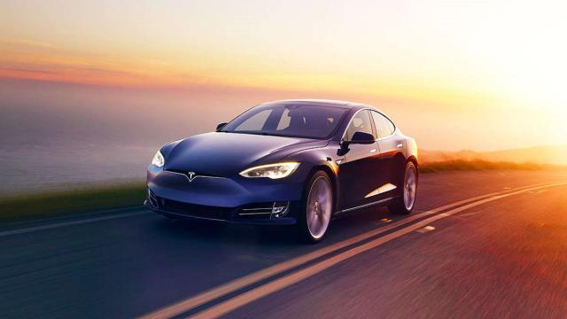 ¿La operación automática de Tesla es realmente