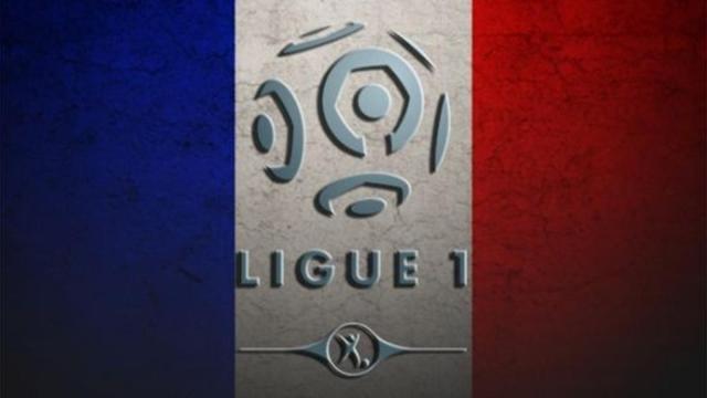 Clásico del fútbol francés entre París Saint Germain y el Olympique de Marsella